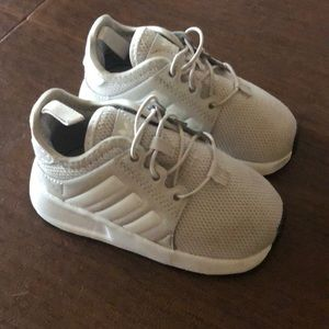 Beige toddler Adidas sneakers size 5 1/2
